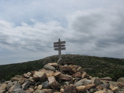 the cairn and sign at the top of Dorr Mtn