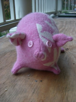 flower pig from the front