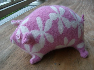 flower pig from the side